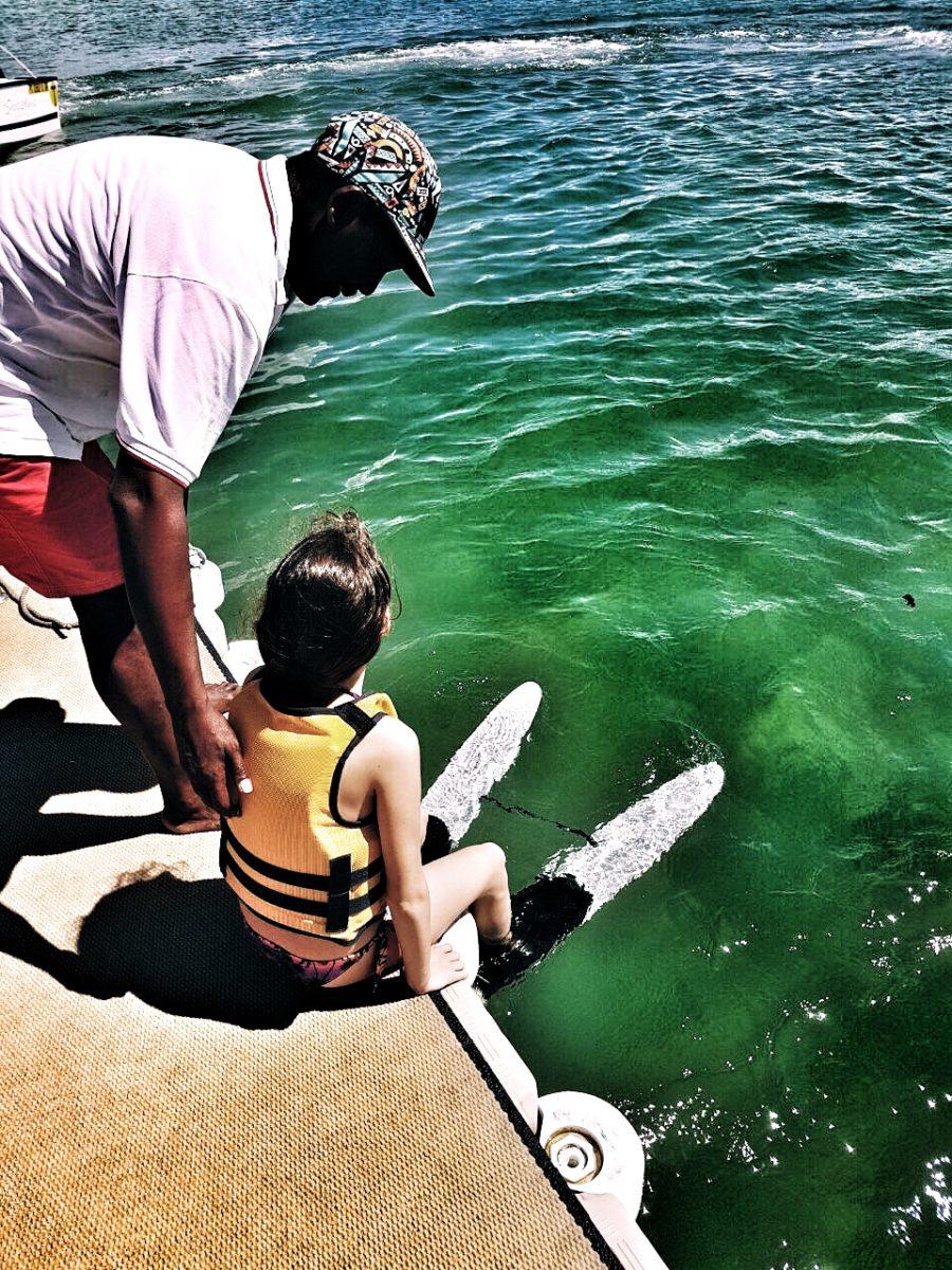 Ines e lo sci nautico