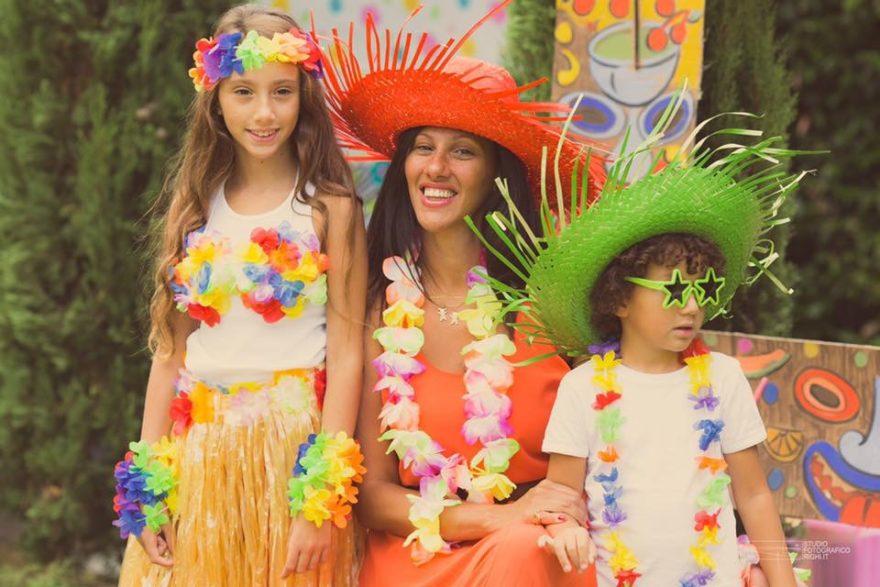 Festa per bambini in stile hawaiano dalahi ortiz for Piani domestici in stile hawaiano