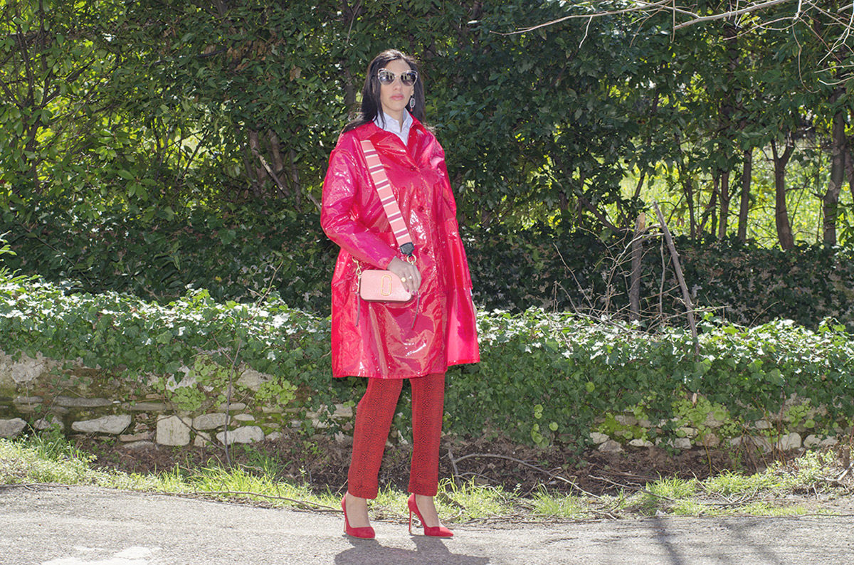 Rosso cherry tomato e rosa intenso: un look super trendy - 01