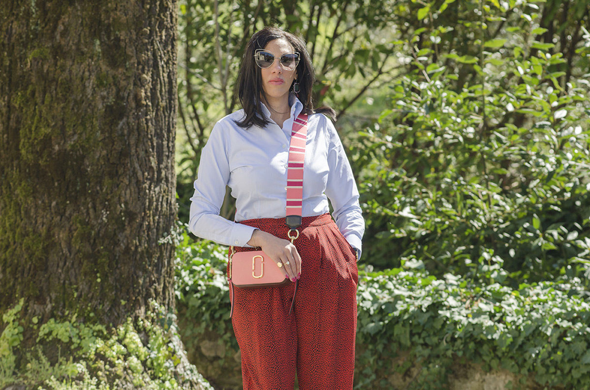 Rosso cherry tomato e rosa intenso: un look super trendy - 08