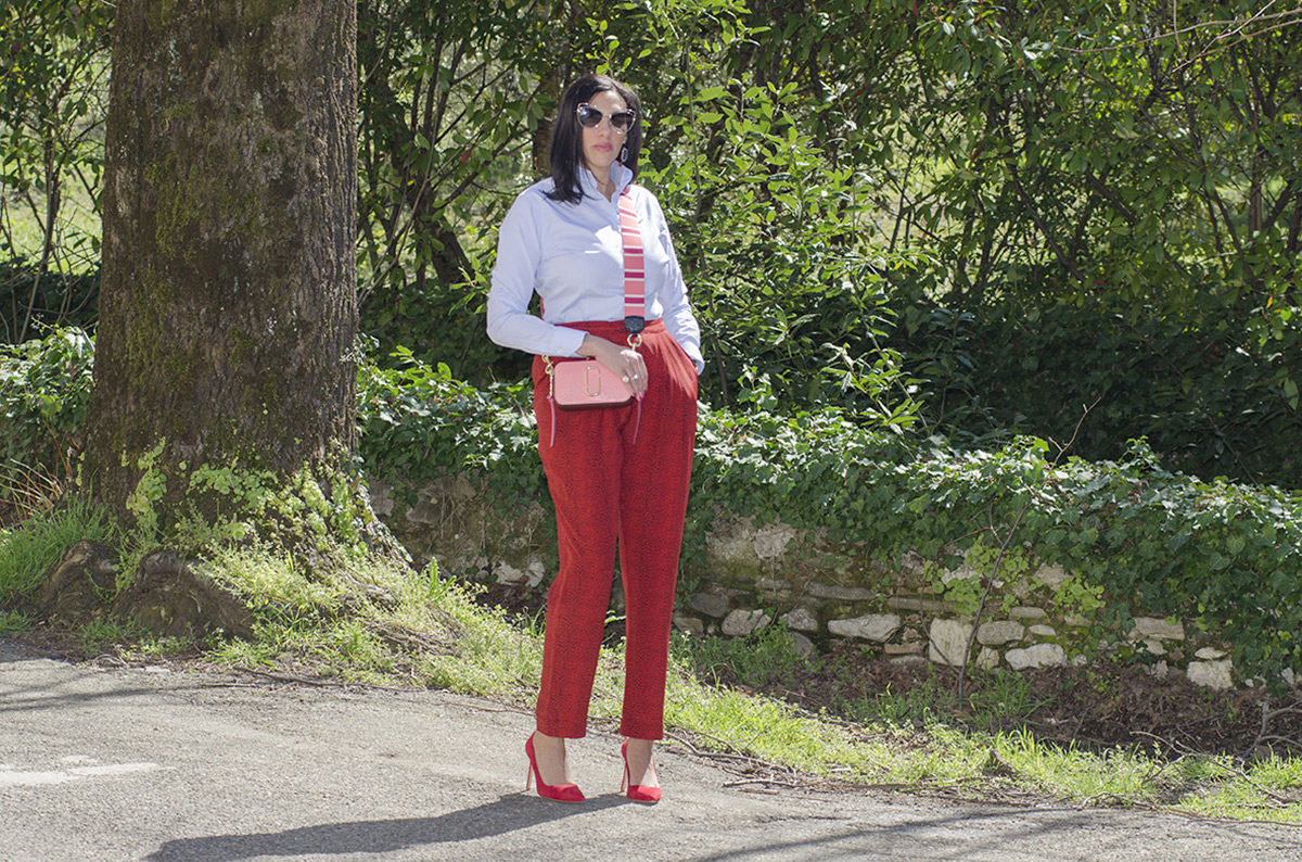 Rosso cherry tomato e rosa intenso: un look super trendy - 10