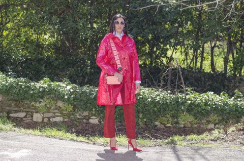 Rosso cherry tomato e rosa intenso: un look super trendy - copertina