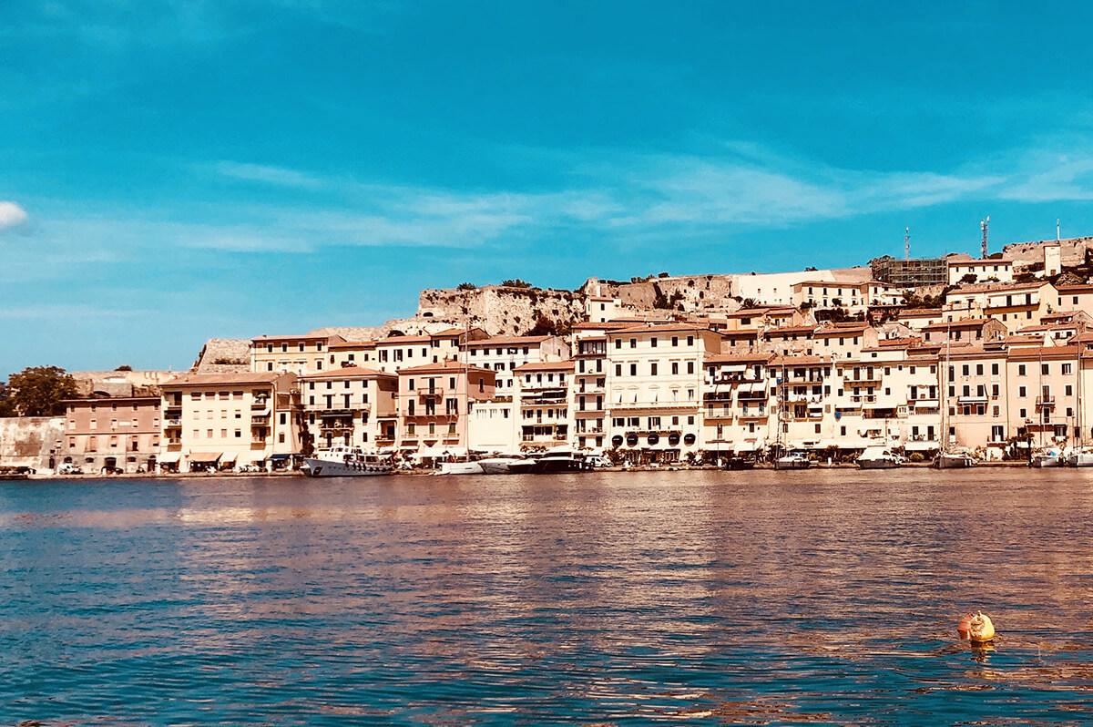 Isola D'Elba, tra shopping e natura